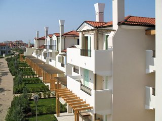 La Fagiana Holiday Home Sleeps 6 with Pool Air Con and WiFi