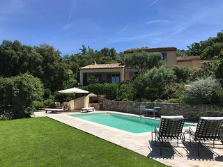 LE MAS AMORE , TASTEFUL PRIVATE PROVENCAL MAS 500 M GASSIN VILLAGE , POOL  5*REV