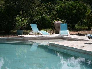 Farniente entre mer et maquis avec piscine partagée (6 pers)