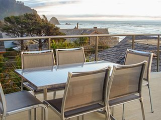 Exceptional oceanfront home w/ deck, game room, gourmet kitchen & amazing views!