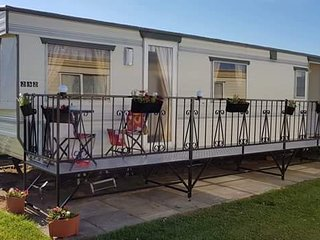Happy Days Chapel St Leonard's 6 Berth caravan for hire