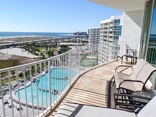 NEW LISTING! Waterfront condo w/ easy gulf access & shared pool, hot tub, sauna