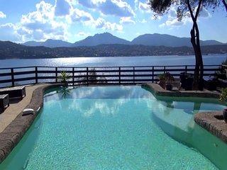 Magnifique Villa pieds dans l'eau
