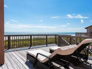 NEW LISTING! Dog-Friendly oceanfront home w/views, shared hot tub & pool