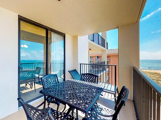 Beachfront condo w/ great views, shared hot tub, pool, and on-site tennis courts