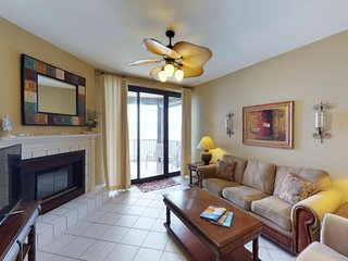NEW LISTING! Luxury condo near beach w/shared pool, hot tub, tennis & sauna