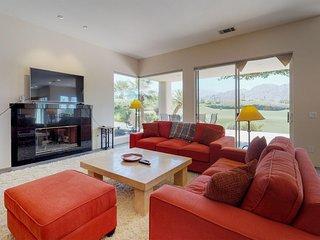 NEW LISTING! Bright & spacious golf course home w/shared pool, hot tub & tennis