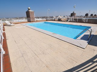APARTMENT LISBON 4 PEOPLE, SWIMMING POOL, METRO, PARKING