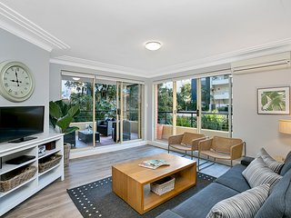 CHATS - Fantastic Chatswood Location