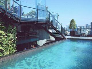 Son & Henry - FI2 - Spacious 1BR Apartment, CBD, Rooftop Pool and Sky Bar