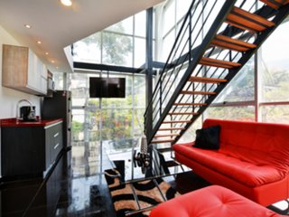 Amazing glass PH Parque lleras 3 Bedroom hot tub