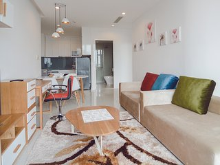 Son & Henry - NI1 - Spacious 2BR Apartment, CBD, Rooftop Pool and Sky Bar