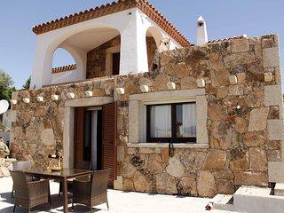 Villa Agrustos con piscina e vista mare
