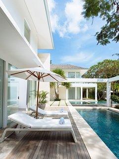 Villa Canggu - Villa North pool deck