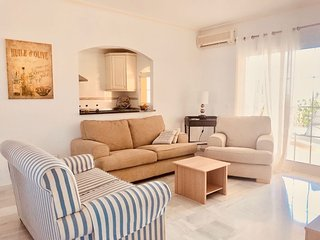 Apartamento de 2 habitaciones directamente al Estepona Golf