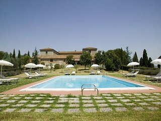 6 bedroom Villa in Torrenieri, Tuscany, Italy : ref 5625022