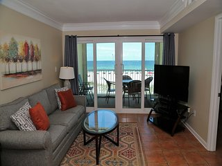 HOT DEAL ~ Castaways 2C ~ Direct Gulf Front Balcony, Right on the Beach ~ Prime