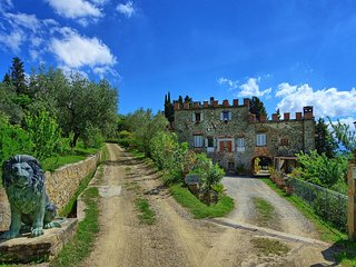 Chianti Castle lodging 6L, with swimming pool, private terrace, view, restaurant