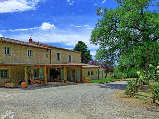 Tuscany Accommodation Within Walking Distance of Town - Casa Poggio