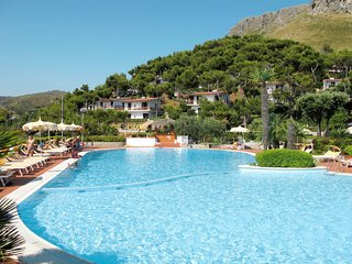 1 bedroom Apartment in Sperlonga, Latium, Italy : ref 5642616