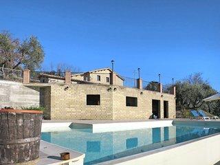 4 bedroom Apartment in Collepietro, Latium, Italy : ref 5642743