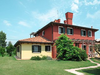 Pagliaga Apartment Sleeps 6 with Pool and Free WiFi - 5795148