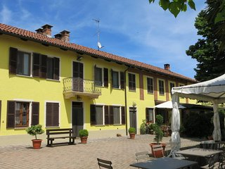 3 bedroom Apartment in Montegrosso d'Asti, Piedmont, Italy : ref 5642580