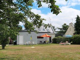4 bedroom Villa in Saint-Eloy, Brittany, France : ref 5642433