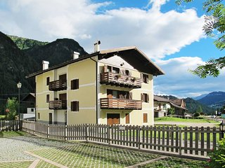 3 bedroom Apartment in Fontanazzo, Trentino-Alto Adige, Italy : ref 5642686