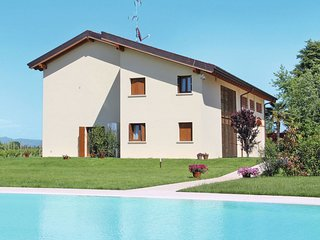 2 bedroom Apartment in Scannabue-Cascine Capri, Lombardy, Italy : ref 5642544