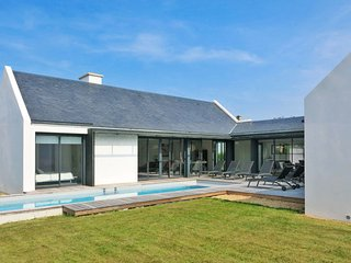 3 bedroom Villa in Port-Navalo, Brittany, France : ref 5642318