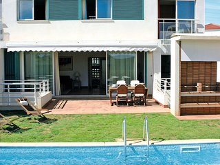 4 bedroom Apartment in Amoreira, Faro, Portugal : ref 5642798