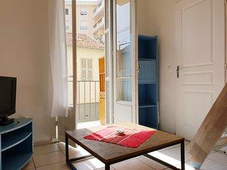 Joli studio avec balconnet près port et vieux Nice