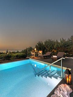 Star Hersonissos Villa, 300m From Hersonissos Beach, Crete