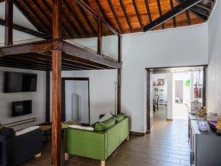 Casa ideal en Tenerife para ninos y mascotas.