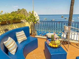 Beach Life - Taormina