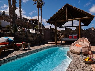 Palacio Luxury Yurt, Private pool, 1km to sandy beach, walking/cycle trails,