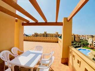 Atico en Isla Canela con 3 dormitorios - Apartamento superior con piscina. B52