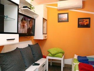 Flamboyant One Bedroom Apartment DP2