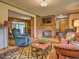 Asheville Home w/Yard & Fire Pit- Mins to Downtown