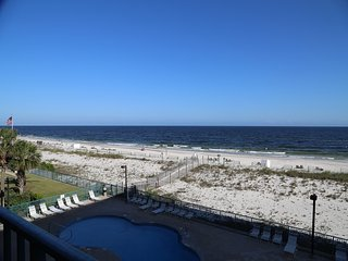 Surf Side Shores 1-306 ~ Gulf Front ~ FREE WIFI, Great Location, 2 balconies! Gu