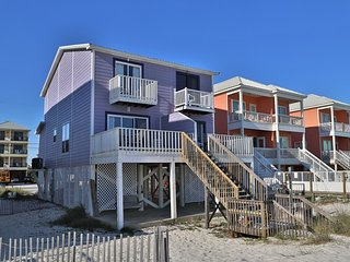 Oz Duplex: Toto - Beach Front Home - Free WiFi by Gulfsands Rentals