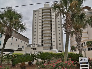 Gulf Tower 7B ~ Gulf Front w Unique Enclosed Balcony ~ FREE Wifi hosted by Gulfs
