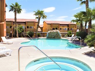 Pet Friendly Condo with Shared Pool & On-Site Gym