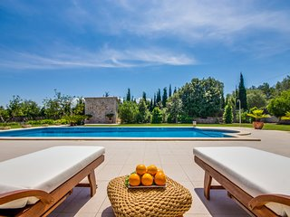 Charmante Landfinca mit Pool, Terrasse und Garten in Santa Margalida