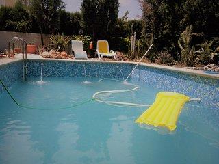Chalet en Granada con piscina privada y chimenea, muy amplio