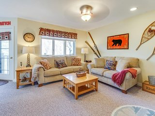 Top-floor condo w/ mountain views & pool, hot tub, and sauna access