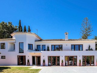 7 B/R Luxury Villa near Puerto Banus & Beach 5 M