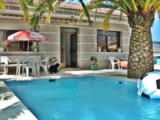 Ref. 10795 Casita con piscina en el interior de Pontevedra