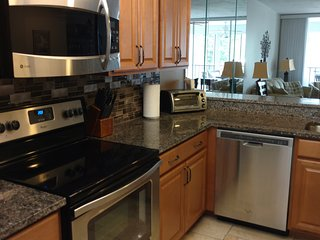 Weekly rentals OK, 5 Minutes to beach, renovated, $700 per wk off season rates